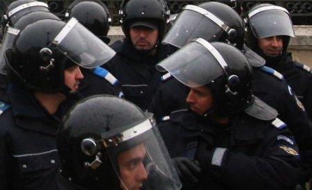 Razie de amploare în Capitală. 20 de prostituate au fost ridicate de poliţişti