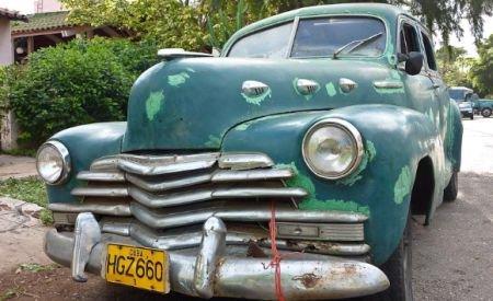 După 50 de ani, cubanezii au din nou dreptul să cumpere şi să vândă maşini