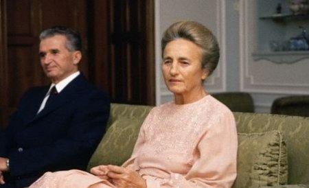 Elena Ceauşescu ar fi avut mai mulţi amanţi şi îl înşela pe Tovarăşu' chiar în vila PCR din Olăneşti