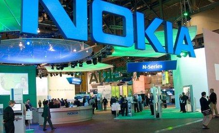 Nokia sterge cu buretele 5% din exporturi si 2.000 de locuri de munca, dar pleaca din Romania cu un profit minim de 35 mil. euro. Cum isi impart vina statul si Nokia