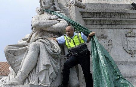 Sute de poliţişti şi jandarmi au protestat la Lisabona, cerând majorări salariale