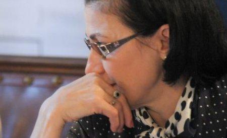 Fostul ministru al Educaţiei, Ecaterina Andronescu, îl dă în judecată pe Daniel Funeriu
