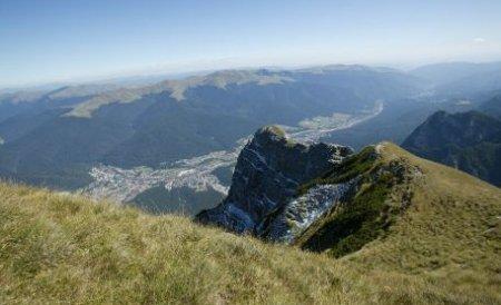 Toamna caldă a scos mii de turişti la munte. Vezi care au fost cele mai căutate staţiuni