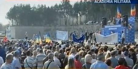 Pensionarii militari au protestat în faţa Academiei Militare, nemulţumiţi de reducerea pensiilor