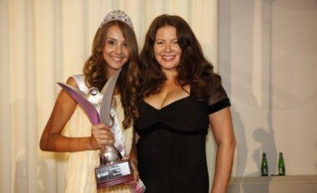 Diana Codruţa Dinu, pe locul 2 la Miss Teenager Universe. Vezi un interviu exclusiv cu adolescenta