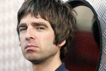 Noel Gallagher: Îl iubesc pe Jose Mourinho şi vreau să îl sărut. Sunt foarte serios