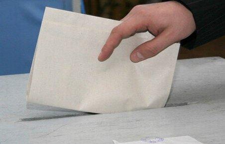 """Studiu: Aproximativ 20% dintre alegătorii bulgari sunt pregătiţi să îşi """"vândă"""" votul"""