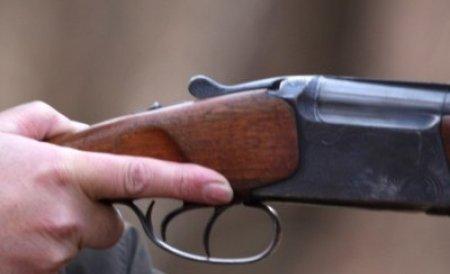 O petrecere din Suceava s-a terminat cu focuri de armă