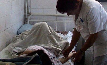Huşi. 12 elevi au ajuns în spital, după ce au mâncat la cantina şcolii
