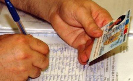 Recenzori hăituiţi: Mai au doar două zile pentru a completa toate formularele