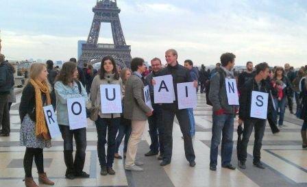 """""""Suntem ca voi!"""" Românii din Franţa s-au săturat să fie trataţi ca infractorii. Protest inedit la Paris"""