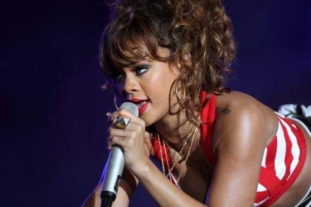 Rihanna şi-a anulat încă un concert în Suedia. Cum a rămas cântăreaţa fără voce