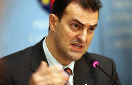 Primarul Clujului, Sorin Apostu, va ajunge în această dimineaţă la Curtea de Apel, cu propunerea de arestare preventivă