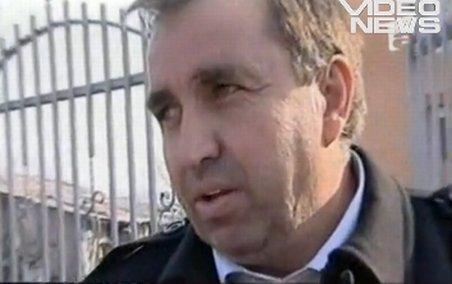 Primarul din Valea Dragului se apără: În sala de festivităţi avea loc o informare civică