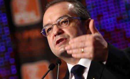 Boc, părtinitor: L-a condamnat pe fostul preşedinte CJ Argeş, dar îi plânge de milă lui Apostu
