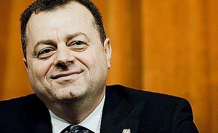Senatorul PDL Mircea Banias a primit 3 milioane de lei de la Guvern pentru colegiul său din Constanţa