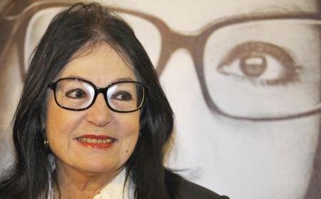 Nana Mouskouri, invitată la Sinteza Zilei: Este minunat să fiu pentru prima oară pe o scenă în România!