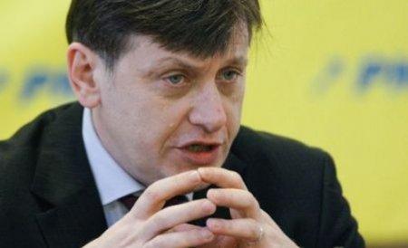 Crin Antonescu: PDL încearcă, comic, să sporească numărul de parlamentari