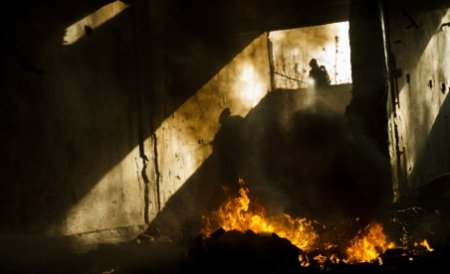 Incendiul de la clubul din Sibiu a fost stins după şase ore de intervenţie