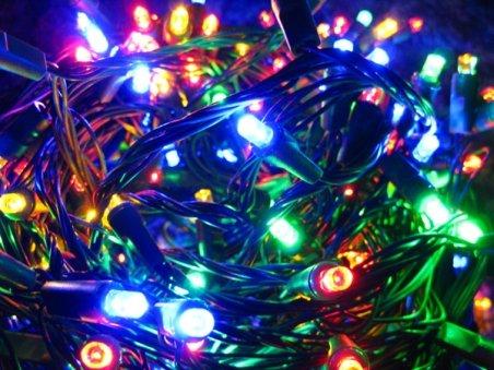 Lumini de criză la Iaşi. Nechita a anunţat că iluminatul festiv este la jumătate faţă de anul precedent