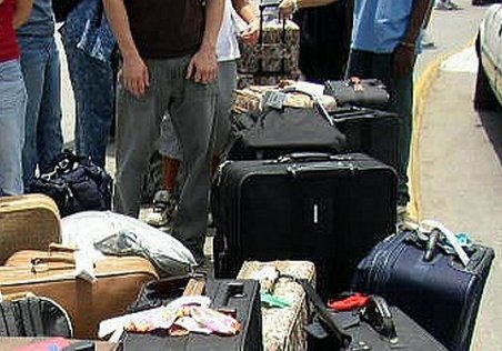 Turişti români, păcăliţi în Bulgaria. Au plătit avans, dar s-au trezit la faţa locului că NU au camere la hotel