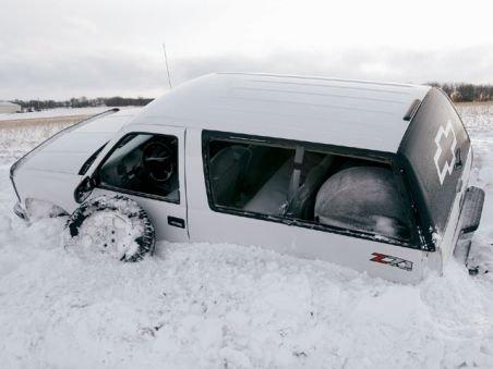 Bulgaria: Cinci turişti români blocaţi în zăpadă, salvaţi de pompieri