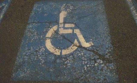 Nevăzătorii, surzii şi persoanele cu handicap, şoferi fără probleme la Iaşi