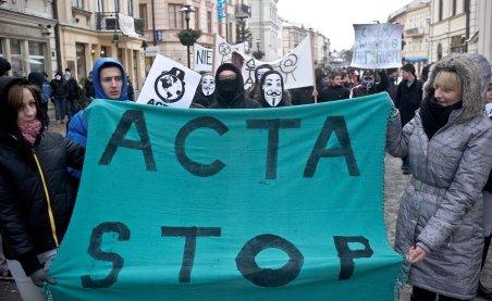 Libertatea pe internet, pusă sub semnul întrebării. Ce prevede ACTA, documentul semnat de România