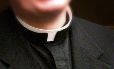 Preot cercetat, pentru că a înmormântat un bărbat, deşi familia nu avea certificat de deces
