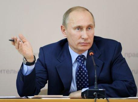 Circa 15.000 de oameni s-au adunat pentru a susţine revenirea la Kremlin a lui Vladimir Putin