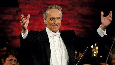 Jose Carreras revine în România şi va concerta în Capitală, pe 25 mai