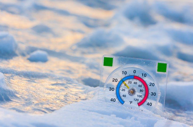 ALERTĂ de fenomene meteo PERICULOASE! 17 oameni au murit îngheţaţi. De azi e cod galben de vânt