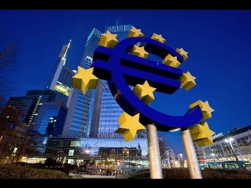 Banca Centrală Europeană acuză agenţiile de rating de alimentarea crizei