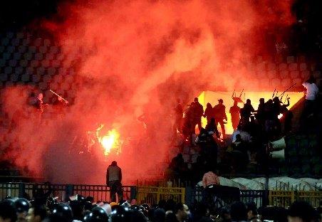 Masacrul din Port Said, fanatism sau capcană a poliţiei? Ce s-a întâmplat, de fapt pe stadion?