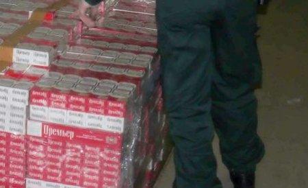 Suceava: Doi tineri, prinşi la frontieră cu 8.500 de pachete cu ţigări de contrabandă