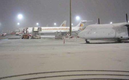 Aeroportul din Iaşi este închis din cauza condiţiilor meteo