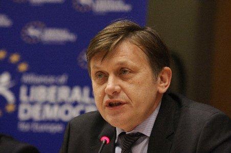 Crin Antonescu: USL va vota împotriva Guvernului propus de Băsescu. Soluţia nu este cârpeala!