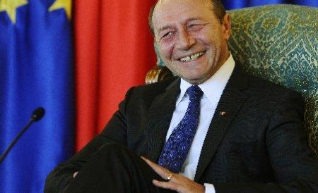 Financial Times: Demisia lui Boc ar putea fi o manevră politică a lui Băsescu