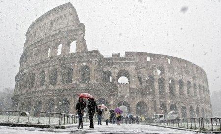 Europa, sub zăpadă: Stare de URGENŢĂ în Italia, Grecia şi Serbia