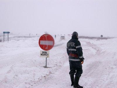 Prahova: Şoferi lăsaţi fără permise şi amendaţi pentru că au intrat pe drumuri închise