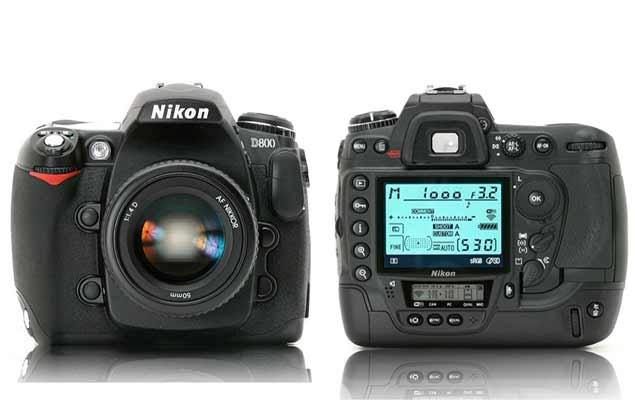 Nikon D800, primul aparat foto cu rezoluţie de 36,3 megapixeli