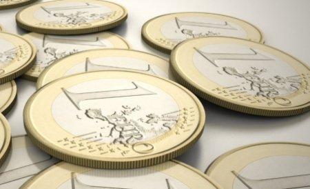 Leul pierde teren în faţa euro şi a dolarului. Vezi cursul BNR