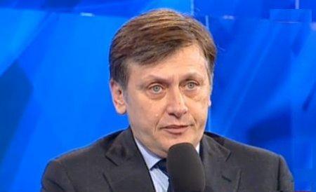 Antonescu: Avem un premier din zona serviciilor, pentru că regimul Băsescu nu mai are încredere în altcineva