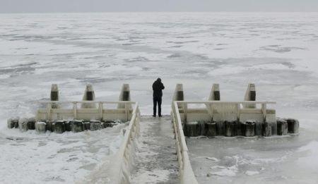 O Europă îngheţată! Trafic fluvial blocat. Sunt probleme mari şi pe şosele