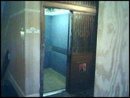 Un ploieştean a căzut cu liftul opt etaje. Vezi aici reportajul