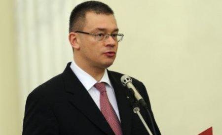 Mihai Răzvan Ungureanu, despre deszăpeziri: Nu putem plăti lenea la nesfârşit