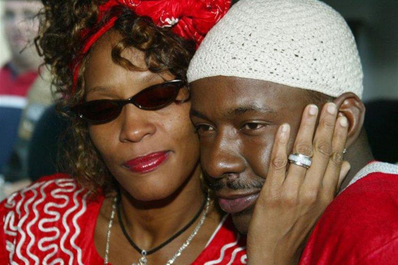 Bobby Brown a cântat la câteva ore după moartea fostei soţii Whitney Houston