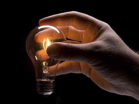 Electrica: Aproximativ 9.000 de consumatori fără curent electric în judeţul Buzău