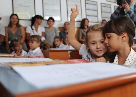 Ministerul Educaţiei: Circa 3.500 de unităţi de învăţământ sunt afectate de vremea nefavorabilă