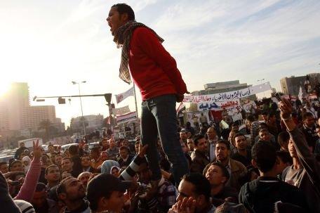 """Poliţia egipteană a arestat un jurnalist independent pentru că ar fi """"incitat"""" la proteste anti-putere"""